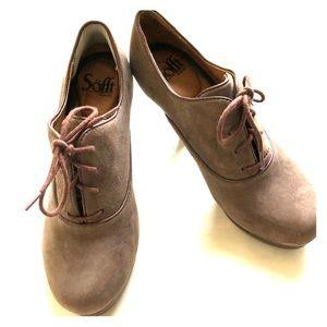 Super cute SOFFT lace up bootie heels sz 7